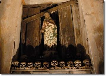 cimitero_delle_fontanelle_350